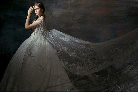 皇冠頂級英式手工訂製白紗