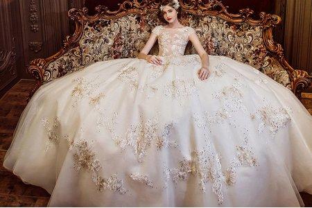 英式珍珠粉水晶白紗