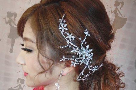 麗惠--艷紅旗袍+低馬尾無違和時尚