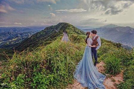 【婚紗】唯美棚拍 清新草地 氣勢山海景