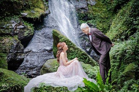 【婚紗】森林瀑布 氣勢岩岸山景 唯美棚內