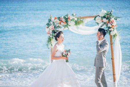 《婚禮攝影》2人 (1主拍1攝助)