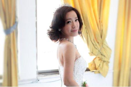 婚宴新娘實紀(短髮)