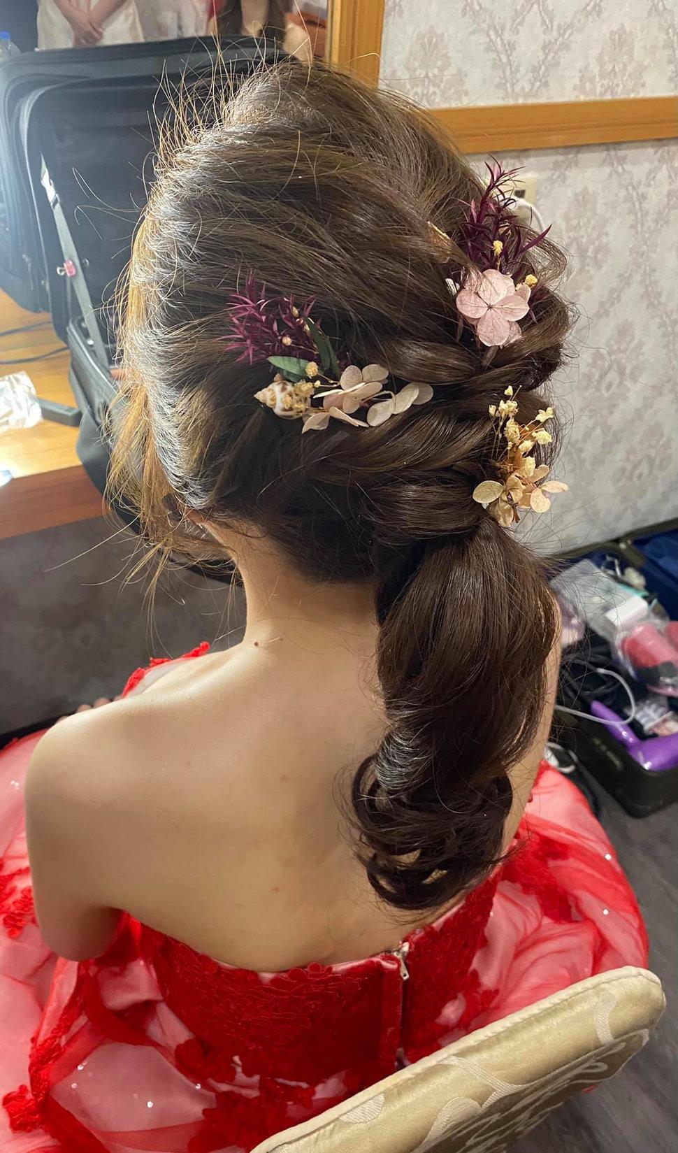 氣質編髮 時尚質感 韓式優雅 - 新秘儀家  葛瑞絲 婚禮造型 整體造型《結婚吧》