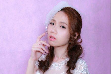 甜美風格的白紗造型