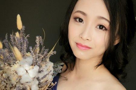 黑髮編髮花藝造型