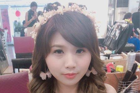 甜美可愛的小新娘