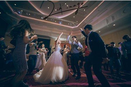 lvy & Ðave wedding party