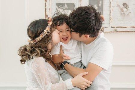 【孕媽咪/全家福寫真】精力充沛的小哥哥是家人最甜蜜的負荷
