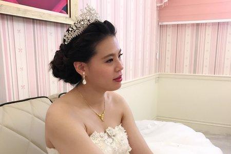 季萱結婚進場造型-優雅女王