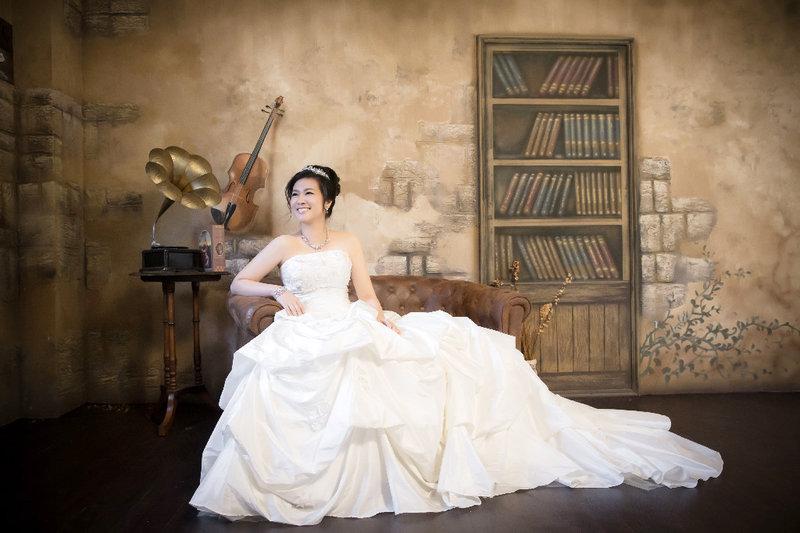 1+1 手工婚紗,手工白紗
