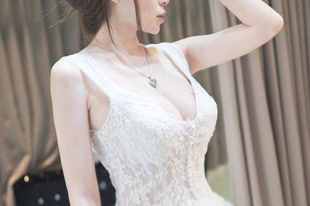 1+1手工婚紗