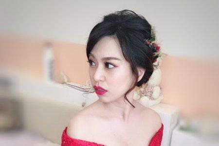 文訂孔雀圖騰紅色禮服
