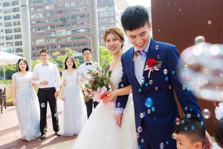 【證婚宴客精選】|「國賓大飯店」 愛情長跑多年 一起見證他們步入浪漫的紅毯 |平面攝影服務