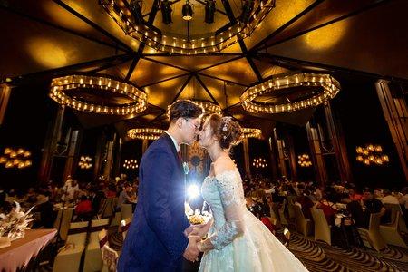 高雄婚禮攝影 |晶綺盛宴、圓山迎娶 | 與神級錄影團隊配合的良好默契