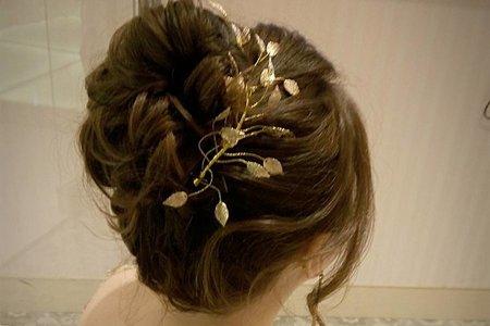 氣質優雅金短髮新娘造型