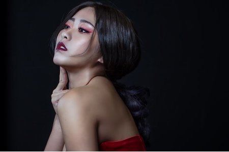 Martina瑪蒂娜/Art Stylist-俐落時尚