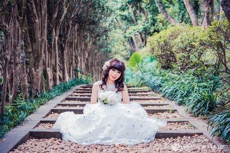 花藝甜美婚紗造型
