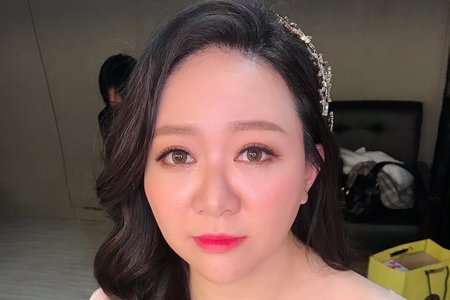 湘翎Shan makeup studio 品諭定裝照