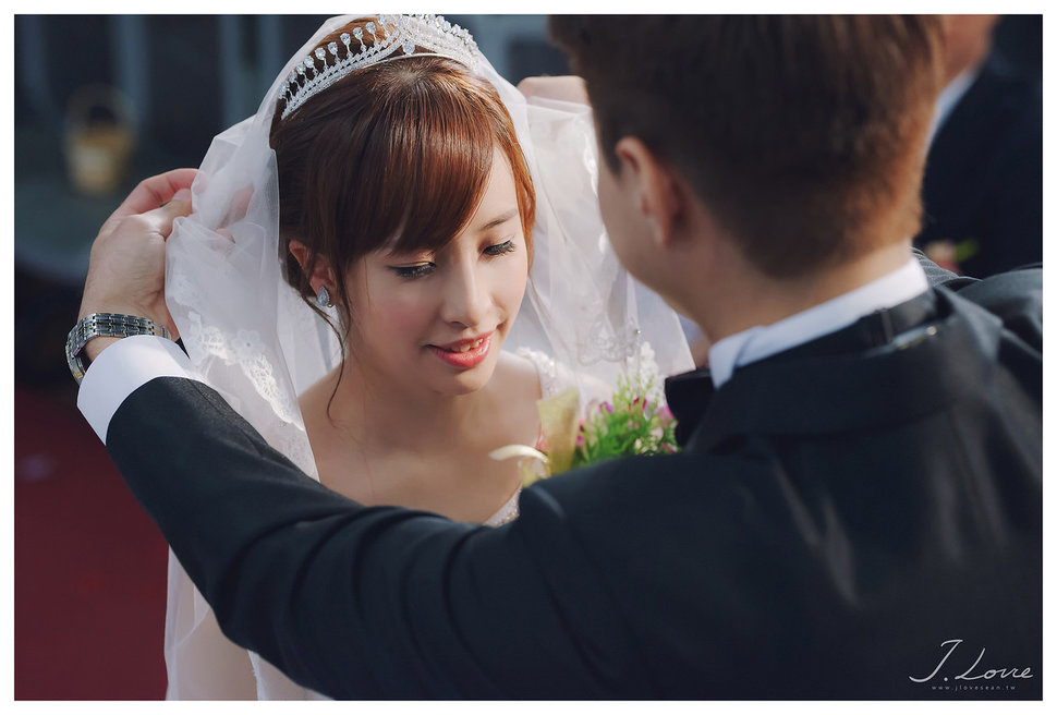 《台北婚攝》淚光中的幸福模樣 _ 民權16香榭玫瑰園 (22) - J-Love 婚禮攝影團隊《結婚吧》