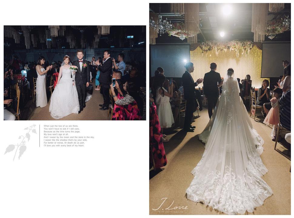 《台北婚攝》淚光中的幸福模樣 _ 民權16香榭玫瑰園 (44) - J-Love 婚禮攝影團隊《結婚吧》