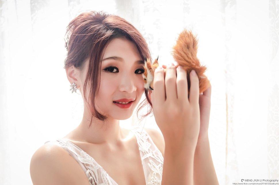 妝髮 - 甄馨噴槍彩妝整體造型學苑《結婚吧》