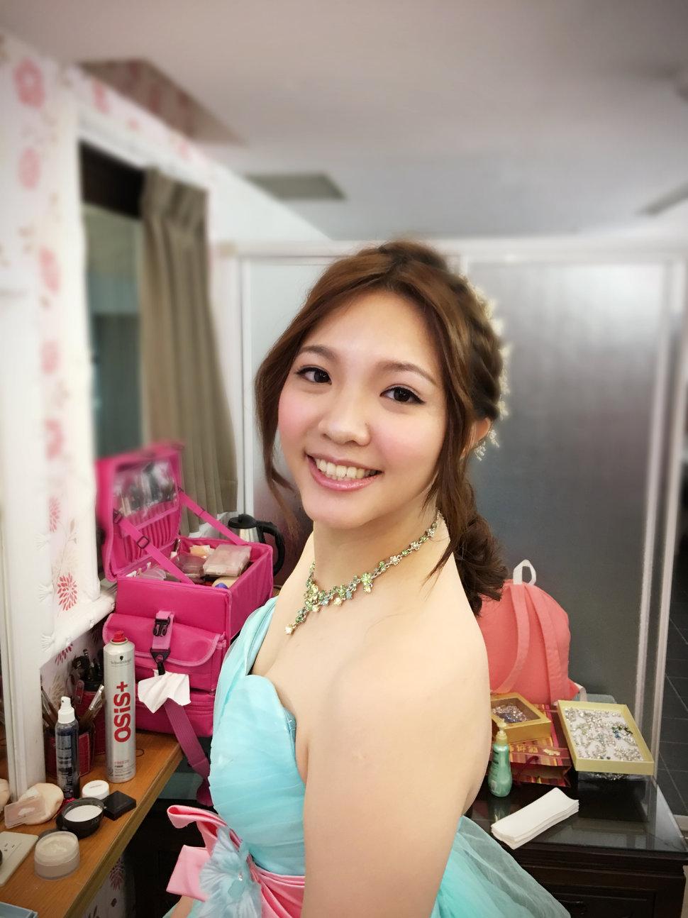 394A07F1-D753-477E-92ED-E70A0E00505D - 李宥萱 - 結婚吧