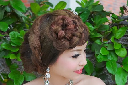 婚紗外拍編髮造型(華方)