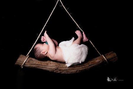 滿月寶寶照