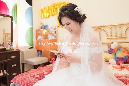 白紗低盤髮造型(新人提供婚攝照片)