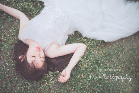 先別急著叫醒我我還在草皮上當仙女