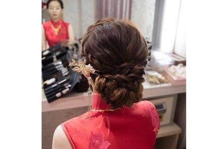 鮮花編髮造型-台中新娘秘書薇瑄彩妝造型