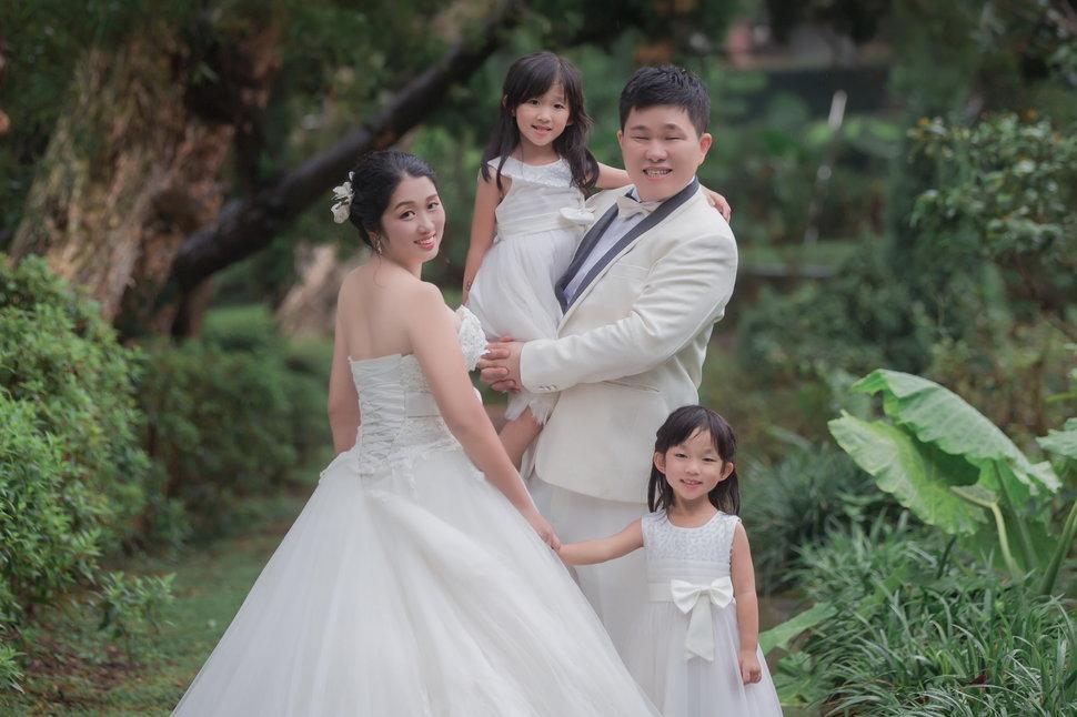 PP_0005_調整大小 - 巴黎婚紗攝影台灣總店《結婚吧》