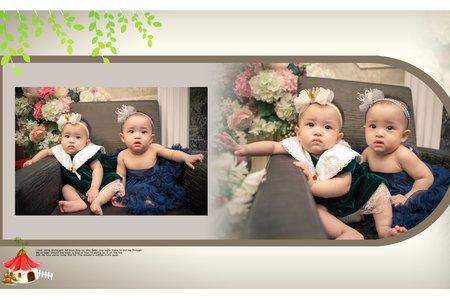 雙胞胎寶寶照