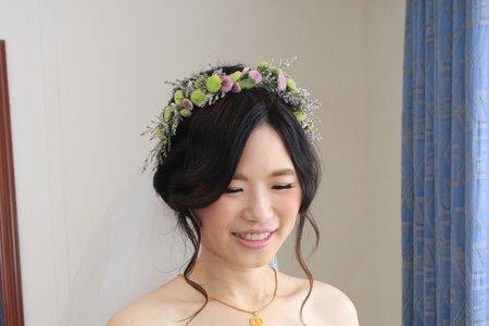 新竹新娘秘書Miki~ 仙女風手作花圈的甜美新娘造型 龍君