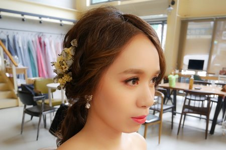 新娘秘書Miki~韓風低馬尾與典雅低盤造型作品