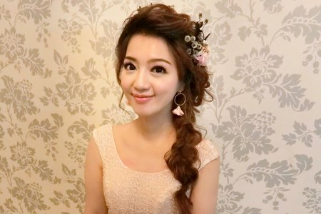 甜甜公主新娘-芝瑜