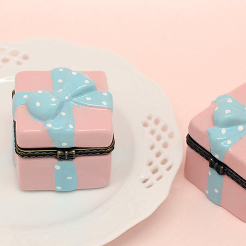 abf2ffd65b10 蝴蝶結禮物盒陶瓷首飾盒- 心幸福-手工客製婚禮小物- 結婚吧