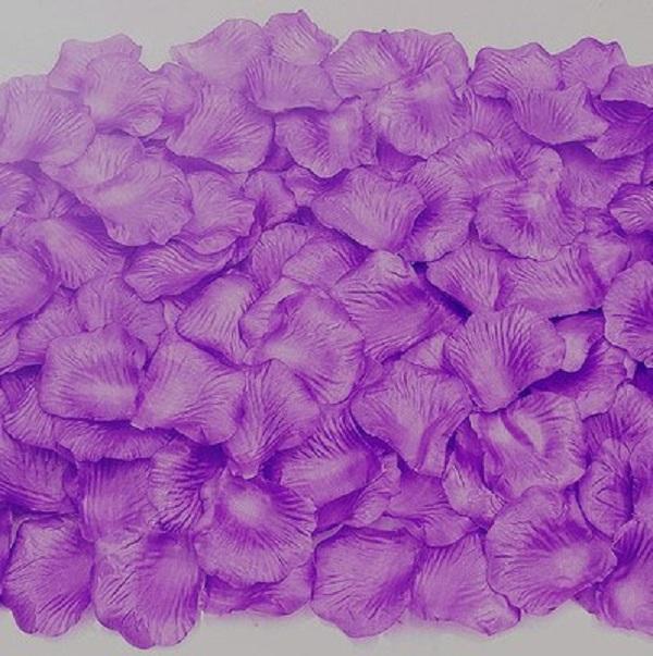 紫色仿真花瓣