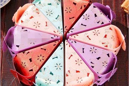 創意縷空蛋糕塔三角糖盒-花朵縷空三角糖盒