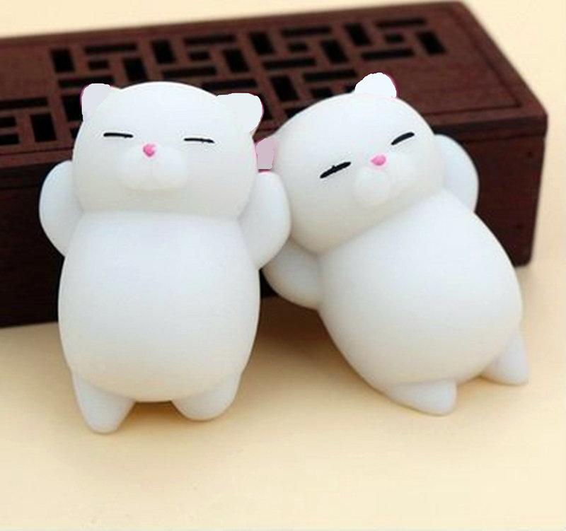 白白小胖貓