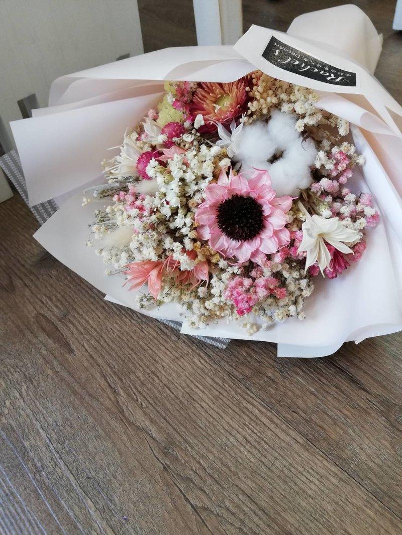粉色手工花,棉花、小百合、染色滿天星、麥