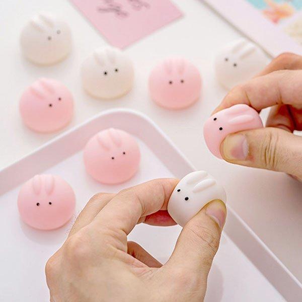 可愛進口的小眼兔粉/白色圓臉 嗶嗶叫玩具