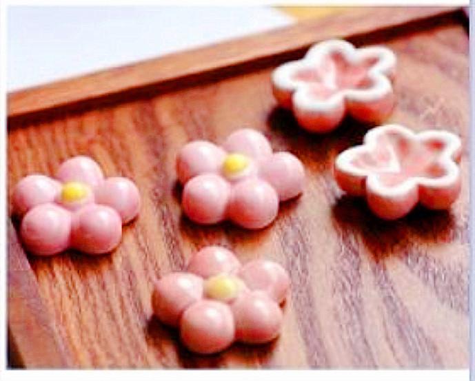 🌸 進口草莓小花造型筷架 🌸