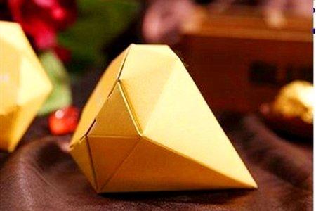 最後數量有限 鑽石造型喜糖盒附進口喜糖