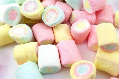 ㊝ 訂購指定款喜糖盒可以挑選的糖果選項,每款價錢不一喔!! ㊝