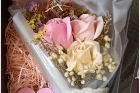 玫瑰香皂花 滿天星 Led燈 乾燥花禮盒
