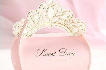 婚禮小物 歐式婚禮粉色皇冠喜糖盒糖果盒