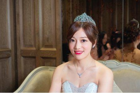 韓風新娘秘書 低盤髮造型