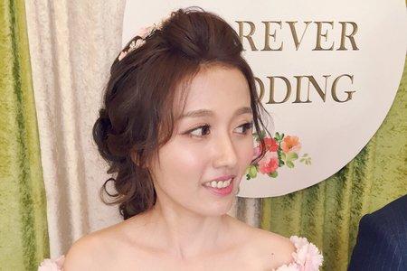 Avonlin雅芳婚禮造型紀錄側拍